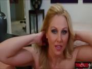 pornofilm-dom-dzhulii-drochka-huya-bedrami-porno-video